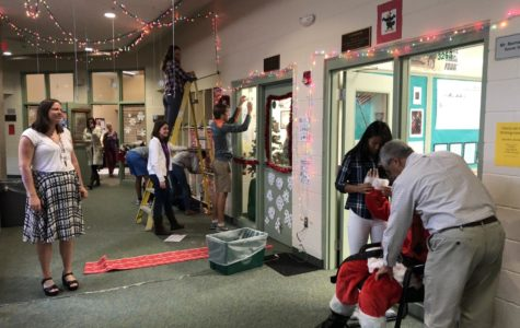 Week 2: Advisory Door Decorating Competition (Photo Gallery)