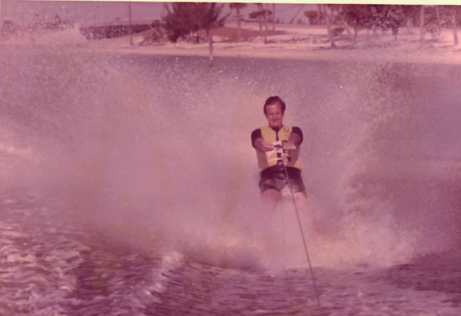 Mr.+Holt+participating+in+one+of+his+favorite+hobbies%2C+waterskiing.