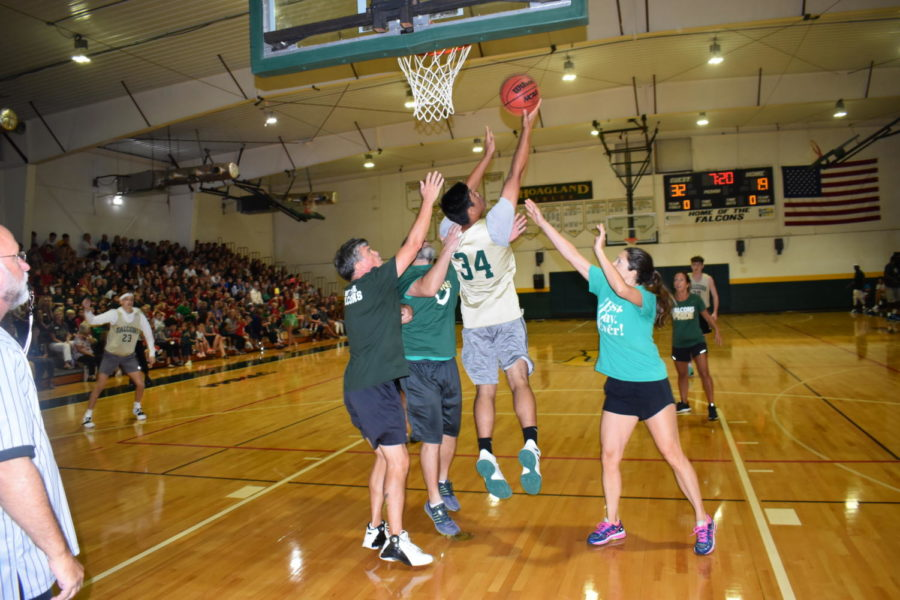Homecoming Week Day 4 Photo Gallery: Basketball Game