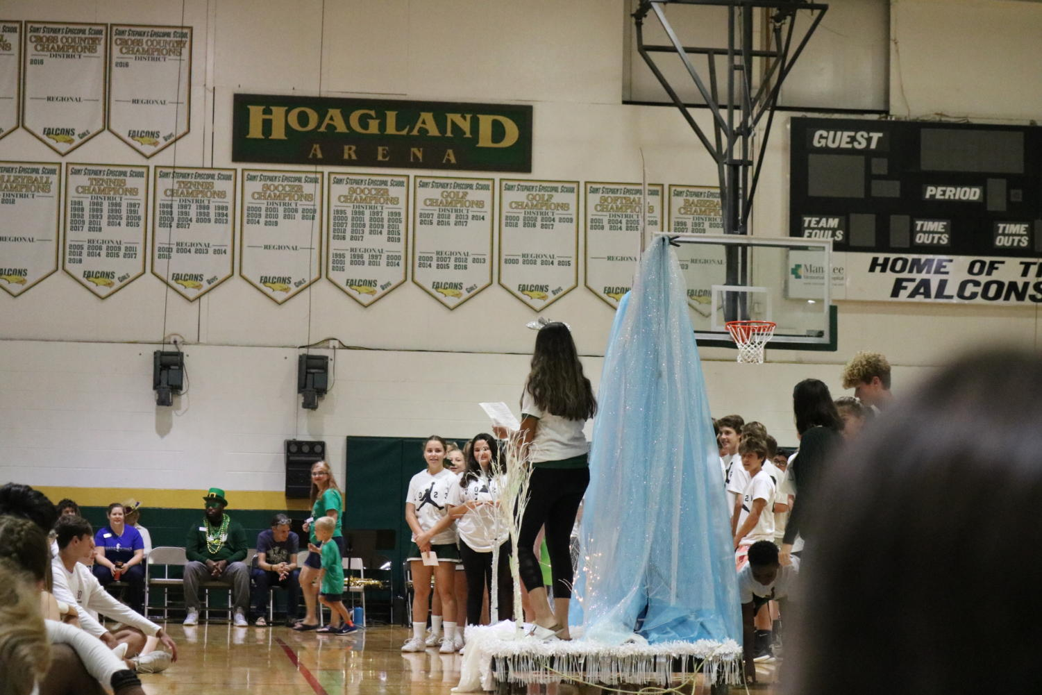 Spirit+week+day+5+photo+gallery%3A+Float+and+Skit